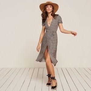 Dresses & Skirts - Reformation Addy Dress / Sz S